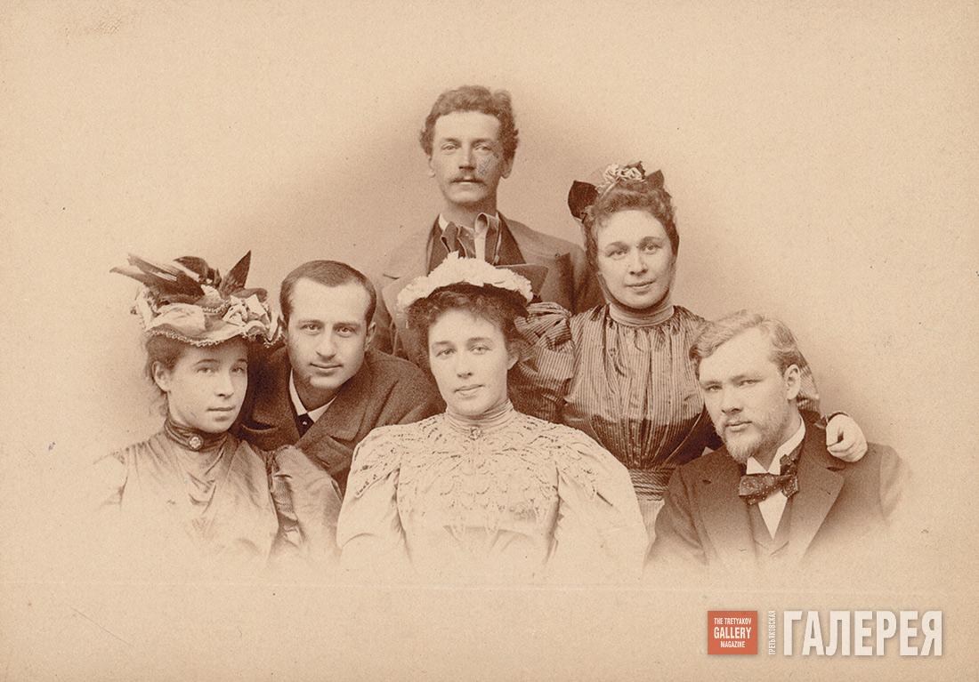 Это были истинно верующие православные христиане, неукоснительно соблюдающие христианское воспитание в семье