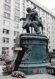 Rukavishnikov Alexander. Monument to Mstislav Rostropovich. 2012