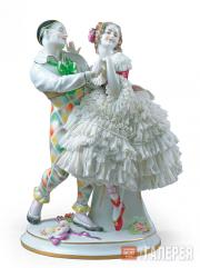"Sculptural composition of Harlequin and Columbine from the ballet ""Carnaval"""