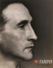 Ray Man (Emmanuel Radnitzky). Marcel Duchamp, Solarized Portrait. 1930