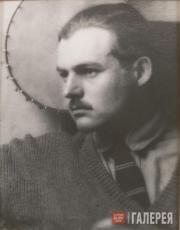 Ray Man (Emmanuel Radnitzky). Ernest Hemingway with Banjo. 1923