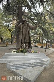 Tsereteli Zurab. Monument to the actor Ramaz Chkhikvadze. 2013