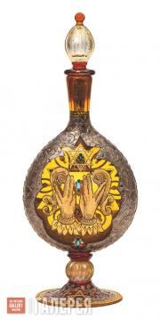 "Decanter with Images of Magen David and ""Birkat Kohanim"" Gesture"