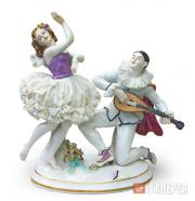 "Sculptural composition of ""Pierrot and Papillon"" in the ballet ""Carnaval"""
