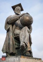 Rukavishnikov Alexander. Monument to Vladimir Vernadsky. 2014