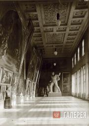 Тициановский зал в Императорской Академии художеств, Санкт-Петербург. 1890-е