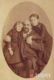 Savva Mamontov with his daughters Alexandra and Vera (right). 1884