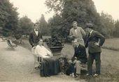 Natalya Goncharova, Igor Stravinsky (seated), Leonid Myasin, Mikhail Larionov, Léon Bakst. 1915