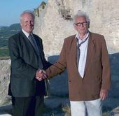 Alexander Burganov and Pierre Cardin at the opening ceremony of the Monument to the Marquis de Sade in Lacoste, July 18 2008