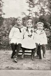 Yury, Yelizaveta and Sergei (right) - children of Alexander Samarin and Vera Samarina. 1910