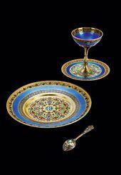 A Russian dinner-service. Silver-gilt, enamel. 11th Artel. Moscow, 1908–1917. © LAPADA