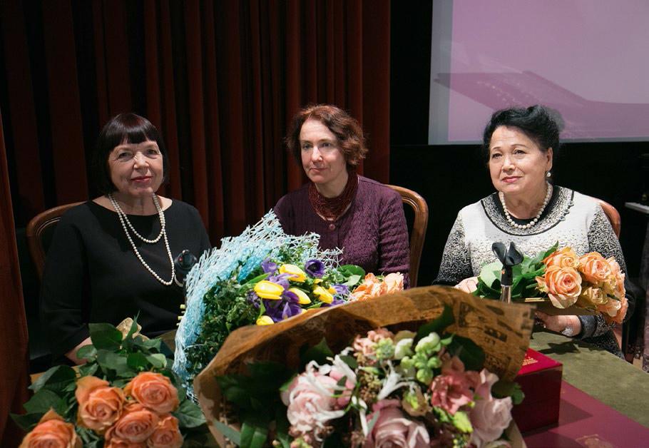 From left: Nadezhda Okurenkova, Yevgeniya Ilyukhina, Svetlana Pleshivtseva