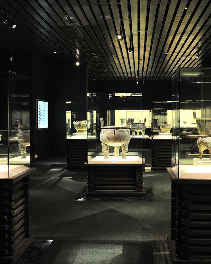 Interior of the Gallery of Ancient Chinese Bronze, Shanghai Museum