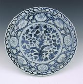 Underglaze-blue Barbed Rim Plate with Gourd, Bamboo, and Grape Vine Patterns. Jingdezhen ware. Porcelain Yuan Dynasty (1260-1368)