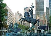 """ZURAB TSERETELI. Monument """"Good Defeats Evil"""". 1990"""