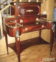 A Gambs cabinet bureau. Early 19th cent.
