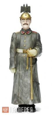 Мастерская Фаберже. Резная каменная фигурка лейтенанта Кавалергардского полка. 1