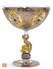 Чаша с изображениями Маген-Давида и ножкой в виде рыбы
