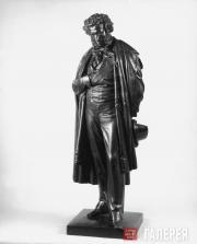 А.С. Пушкин.  Повторение конкурсной модели памятника (1875), установленного в Мо