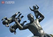 Вигеланн Густав. Мужчина, жонглирующий четырьмя младенцами. 1927-1928