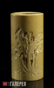 Стакан для кистей с гравированным изображением листа капусты