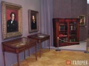 Фотография выставки, посвященной 150-летию со дня основания Третьяковской галере