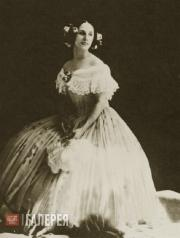 """Anna Pavlova from the concert act """"Invitation to the Dance"""" by Carl von Weber"""