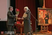 Viktor Bekhtiev, President of the Foundation, gives his congratulations to Marin