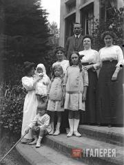 The Kousnetzoff family in Val-André