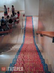 Выставка Тал Амитаи в музее. 2004