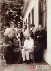 Vera Nikolayevna and Pavel Mikhailovich Tretyakov among their family