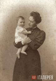 Vera Samarina with her daughter Yelizaveta. 1906