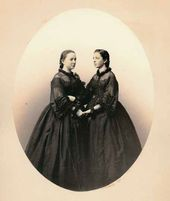 Vera Nikolayevna Mamontova (by marriage Tretyakova) and Zinaida Nikolayevna Mamontova (by marriage Yakunchikova). Moscow, early 1860s