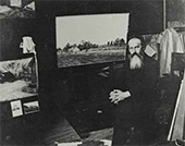 Nikolai Meshcherin in his studio at Dugino. 1900s