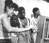 Mirel Shaginyan painting en plein air, Ghana. The 1970s