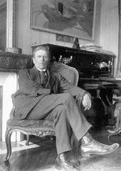 Constantin Kousnetzoff at the family home on the Boulevard du Montparnasse. Late 1920s. Paris