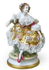 "Sculptural composition of Tamara Karsavina as Columbine from the ballet ""Carnaval"". From the ""Ballets Russes"" series. Porcelain Manufactory Aelteste Volkstedter Porzellanfabrik AG Germany, Thuringia, 1912-1945"