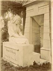 Mark Antokolsky's memorial sculpture on the grave of Maria Obolenskaya. 1890s