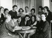 Employees of the Novosibirsk branch of the Tretyakov Gallery. 1943