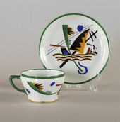 Cup and saucer with abstract design by Wassily Kandinsky. Dulevo Porcelain Factory. Circa 1921