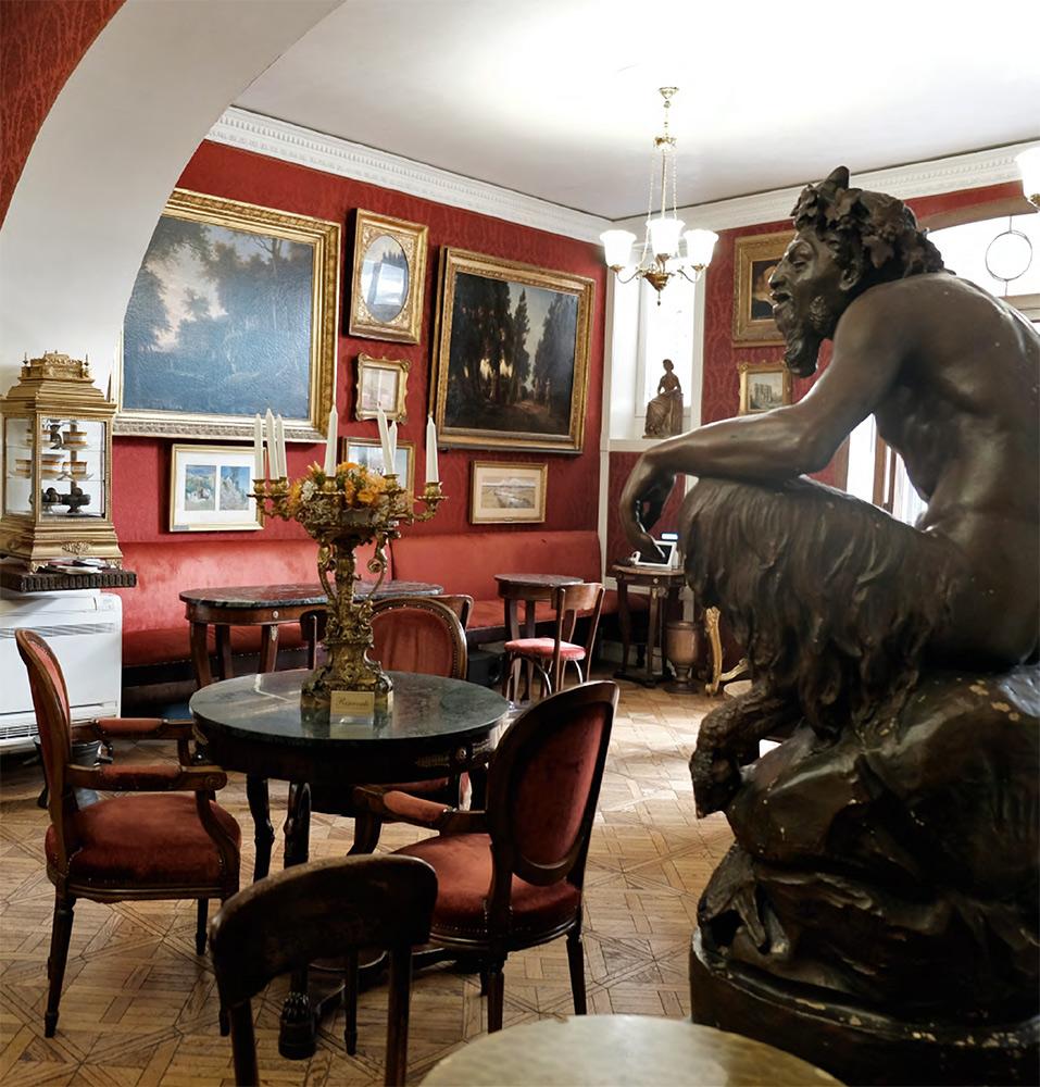 "Interior of the ""Omnibus"" hall, Caffè Greco"