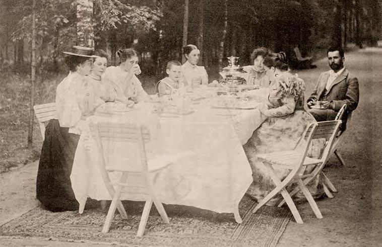 Netta Peacock and Maria Yakunchikova at the tea table. Circa 1896