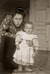 Maria Yakunchikova-Weber with her son Stepan Paris. December 1899