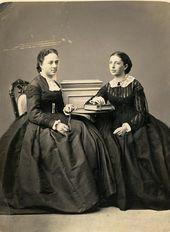 Sisters Vera Mamontova (married name Tretyakova) and Zinaida Yakunchikova. Photograph. Early 1860s