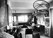 George Costakis in seiner Wohnung, 1970er-Jahre