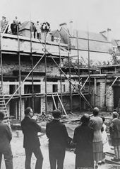 Topping-out ceremony for Overbeck-Pavilion on July 17, 1930