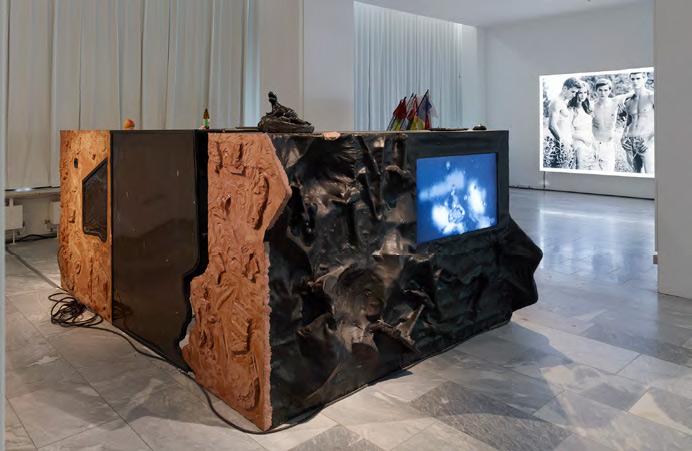 """Installation """"World on wire"""" Julia Stoschek Collection, Berlin"""