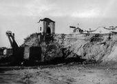 Вид часовни Св. Анастасии перед переносом на берег реки Великой. 1970