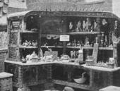 М.В.ЯКУНЧИКОВА. Лавка в русском павильоне на Всемирной выставке в Париже. 1900