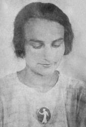 В.Н. Голубкина (племянница скульптора) с камеей «Девушка со светильником»